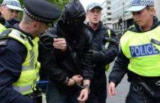 Doi români, tată și fiu, condamnați în Marea Britanie pentru că au transformat o poloneză însărcinată în sclava lor