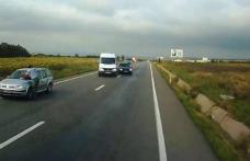 Un autoturism înmatriculat în Botoşani, a intrat într-un tir, după o depăşire la intrarea în Suceava - FOTO