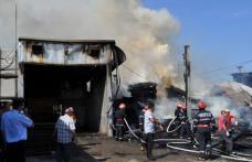 Aproximativ 150 metri de cherestea s-au făcut scrum într-un incendiu produs la Fabrica din Roma