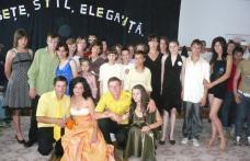 """[FOTO] Şcoala de Arte şi meserii """"Ion Pillat"""" Dorohoi """"Frumuseţe, stil, eleganţă"""""""
