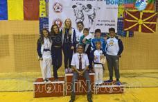 Copiii dorohoieni din nou fruntași la o competiție de karate organizată la Arad - FOTO