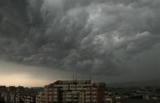 Avertizare imediată de furtună pentru Dorohoi și Botoșani