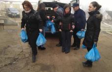 Daruri de la femeile social-democrate pentru bătrânii de la Trușești - FOTO