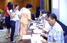 Peste 1000 de cadre didactice se bat pentru posturi la concursul de titularizare