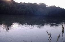 A trecut Prutul înot pentru a munci în România