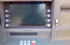 Iată cum îți pot fi furați banii din cont! Detaliul după care trebuie să te uiți la bancomat - FOTO