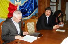 Autorităţi convocate în şedinţă pentru pregătirea sărbătorilor pascale - FOTO