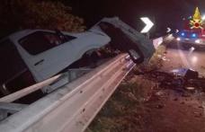 Opt români au fost răniţi grav într-un accident rutier în Italia