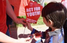 Pes Activists Botoşani luptă pentru promovarea drepturilor tinerilor - FOTO