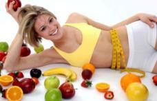 5 exerciții care te scapă de colăceii de pe abdomen, fără dietă