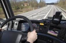 Ofertă de angajare în Canada: se caută şoferi de TIR cu salariu anual de 50.000 de dolari canadieni