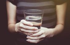 De ce trebuie să bem apă chiar în primul minut după trezire