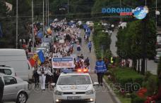 """Veselie și tradiție la parada costumelor populare din cadrul Festivalului """"Mugurelul"""" 2017 – VIDEO / FOTO"""