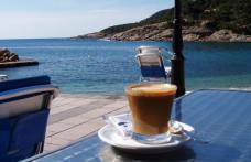 Cum trebuie băută cafeaua vara