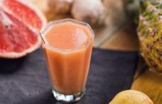 Obişnuieşti să bei suc natural din fructe? Nu mai face acest lucru! Motivul te va uimi
