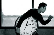 Program de lucru de şase ore, în loc de opt în România. Ce spune ministrul Gabriel Petrea