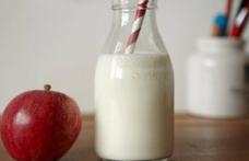 Guvernul a decis să le dea elevilor lapte, corn și fructe. Nutriționiștii trag însă un semnal de alarmă