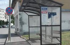 Primim la redacţie – Stație pentru microbuze amplasată lângă semnul interzis - FOTO