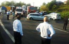 Accident TERIBIL. Membrii trupei DJ Project au fost răniți după ce un TIR s-a răsturnat peste mașina lor - FOTO