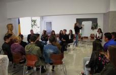 Dezbatere despre Modificarea Constituției la Seminarul Teologic Dorohoi - FOTO