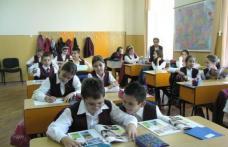 Ministerul Educaţiei vrea să împartă elevii pe categorii: cu rezultate slabe, medii şi foarte bune