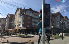 Semafor la Blocul Turn! Primăria Dorohoi instalează semafor la trecerea de pietoni de pe strada Dimitrie Pompeiu - FOTO