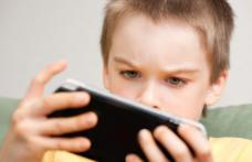"""ATENŢIE MAXIMĂ pentru părinţi! Un nou joc """"nebun"""" face ravagii în rândul copiilor!"""