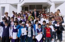 """Parteneriat de cunoaștere între Școala Gimnazială """"Mihail Sadoveanu"""" Dumbrăvița și Liceul Pedagogic """"Nicolae Iorga"""" Botoșani - FOTO"""