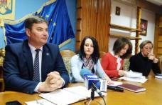 Cancelaria prefectului judeţului Botoşani are, de săptămâna aceasta, doi noi consilieri
