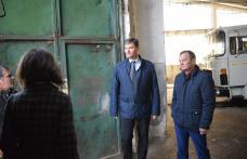 Pregătirea operaţiunilor de deszăpezire şi aprovizionarea cu material antiderapant, verificate de prefectul Dan Şlincu - FOTO