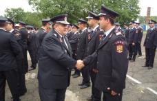 113 pompieri avansaţi în grad