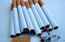 A rămas fără permis de mic trafic, fără ţigări şi fără maşină