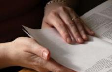 Este oficial! Decizia luată de deputați în privința funcționarilor publici din România