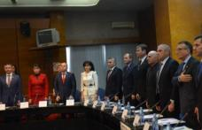 Contractul pentru realizarea drumului strategic, semnat de vicepremier și ministrul Fondurilor Europene, în prezența a zeci de primari din județ