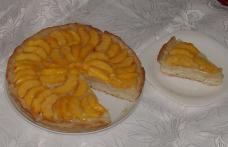 Tarte cu crema de vanilie şi caise