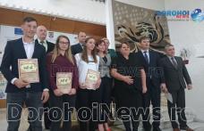 Zece dintre cei mai buni sportivi ai CS Botoşani, premiaţi la Prefectură