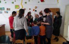 Social-democratele au împărțit daruri copiilor de la Micul Prinț - FOTO