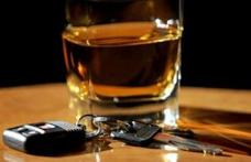 S-a urcat băut la volan şi a produs un accident