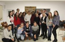 Provocare pentru tinerii din ATOR Dorohoi - un training de Teamworking - FOTO