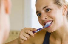 Greșeli majore pe care le facem atunci când ne îngrijim dinții