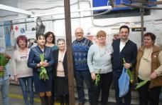 Parlamentarii PSD Tamara Ciofu și Răzvan Rotaru au oferit flori și mărțișoare angajaților de la mai multe fabrici din municipiul Botoșani