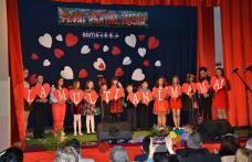 """Ediție aniversară a Concertului omagial """"Flori pentru mama"""" - seară de teatru și folclor - FOTO"""