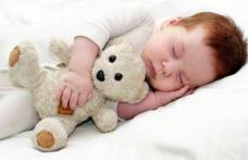 Alimentul care ajută bebelușul să doarmă