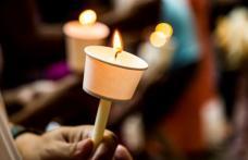 De ce se ia lumină de Paşte. Ce trebuie să faci cu lumânarea de la Înviere