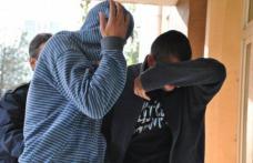 Doi minori din Dorohoi arestaţi preventiv pentru mai multe furturi din magazine și autoturisme