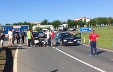 Motociclist rănit grav după ce a fost lovit puternic de o autoutilitară pe drumul Botoșani-Suceava