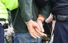 Tânăr arestat pentru furt din autoturisme