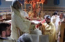 """ÎPS Teofan prezent la Dorohoi! Sfânta Liturghie, hirotonie și hirotesie săvârșite la Biserica """"Sf. Împărați"""" - FOTO"""