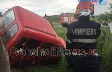 Accident la ieșirea din Dorohoi! O mașină s-a răsturnat în afara părții carosabile la Stracova - FOTO