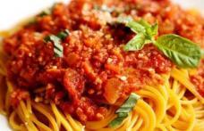 Spaghetti cu sos picant de vițel